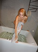 Blonde mature ex girlfriend Sonya soaks in the bath tub and ends up pleasuring herself in this scene